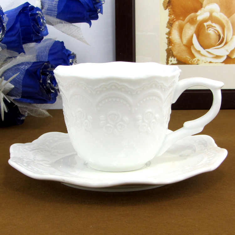 Fashion classical tea cup set embossed white ceramic cup coffee cup and saucer set mugs(China (Mainland))