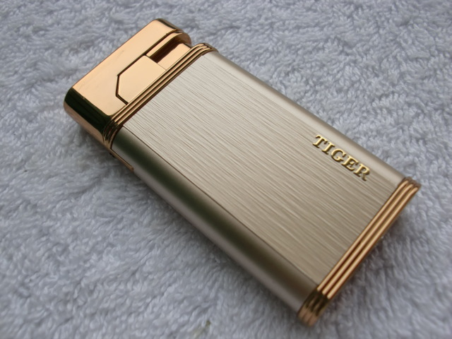 Tiger lighter windproof ultra thin metal pulse charge usb lighter electronic cigarette lighter for Men Male