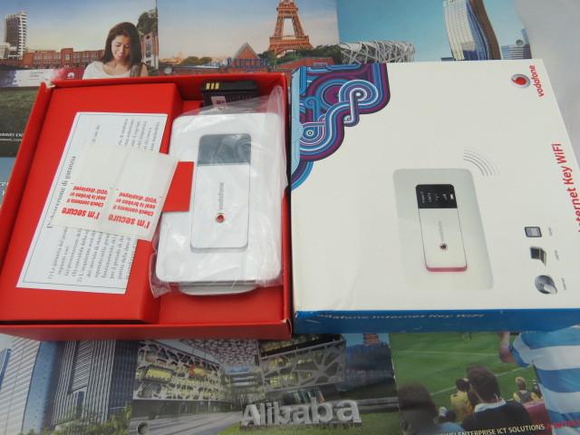 Vodafone HUAWEI R201 HSUPA 3g WIFI Router,Tri-band (900/1900/2100) 7.2Mbps 3g mifi router PK E585 E586(China (Mainland))