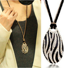 Free shipping fashion  necklace star elegant black and white zebra print long necklace for woman (China (Mainland))