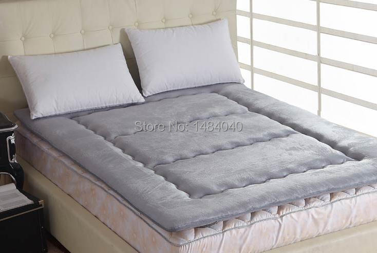 Фотография Thick green bamboo charcoal fiber mattress bed