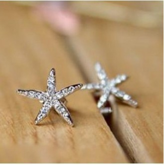 2015 Korea trendy rhinestone star stud earrings for women beautiful charm jewelry accessory for gift(China (Mainland))