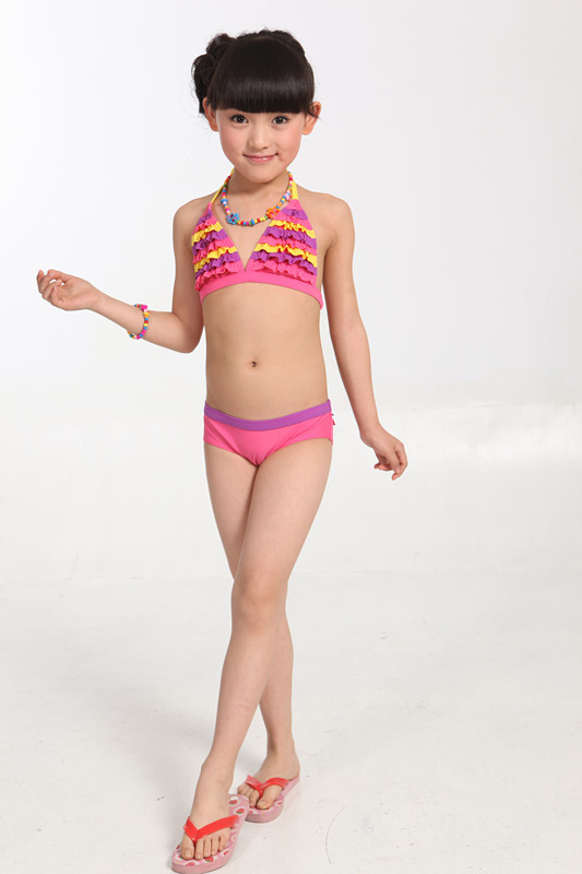 Kids Swimwear If making family visits to the beach, lake or pool is part of your warm-weather ritual, your children are going to need the proper apparel to make a big splash. Browse the fun, sporty collection of kids' swimwear and aquatic gear for the latest designs in trunks and swimsuits for boys and girls.