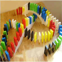 200 Pcs Funny Colorful Plastic Authentic Standard Children Kids Domino Game Toy DTZE #52297(China (Mainland))