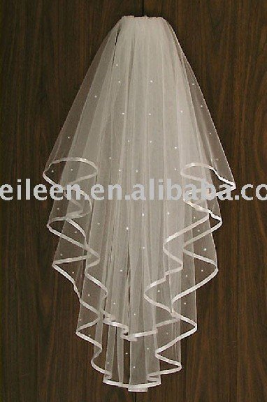 Free Shipping! Wedding Accesories Satin Ribbon Short Illusion Bridal Crystal Wedding Veil with Plastic Comb, 42 inches Long(China (Mainland))