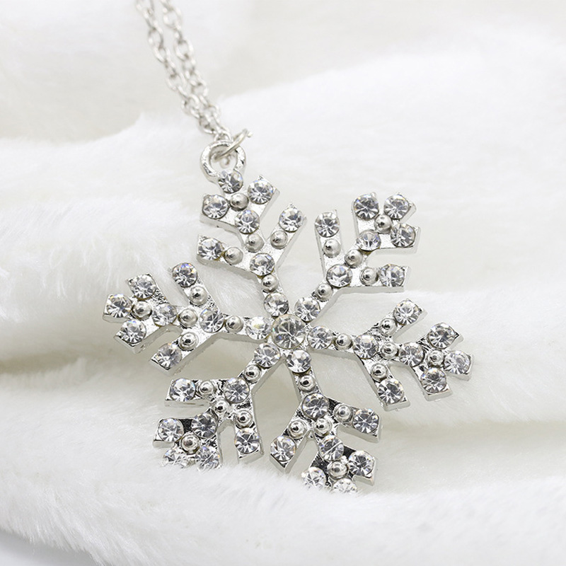 Hotsale New Princess Queen Jewelry Accessories Silver Crystal Rhinestone Snow Flake Snowflake Sweater Chain Necklaces NK004(China (Mainland))