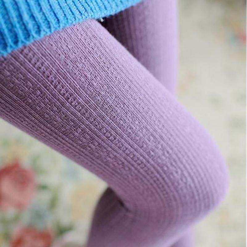 Ноги в теплых колготках