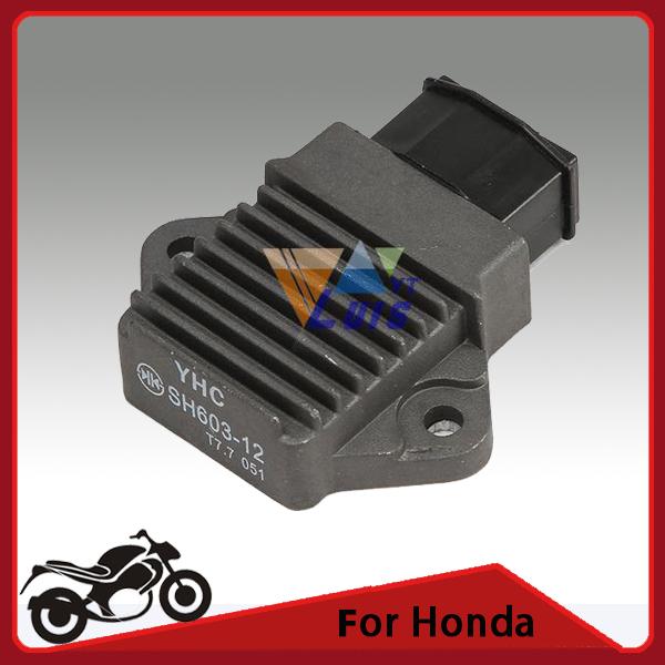 Black Rectifier Motorcycle Regulator Voltage for Honda CBR900RR CBR600 PC31 SHADOW VT125 250 VTR250 1000 VFR750 NSR125 CB600F(China (Mainland))