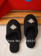 Retail 100% wool indoor slippers embroider snowflake for children & woman at home/ hotel use black free shipping(China (Mainland))