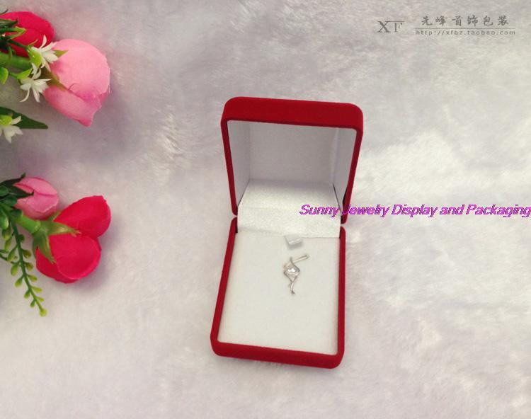 Wholesale 6 pcs Pendant Box Red Fabrics Packaging Box Pendant and Necklace Storage Box Square Velvet Red Box(China (Mainland))