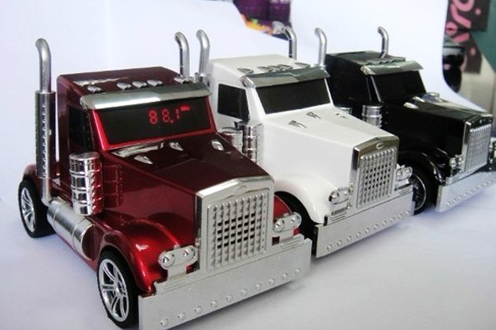 Good 100pcs/lot New Car Shaped Truck Mini Speaker Music MP3 USB r High Quality 3D stereo sound Mini Speaker(China (Mainland))