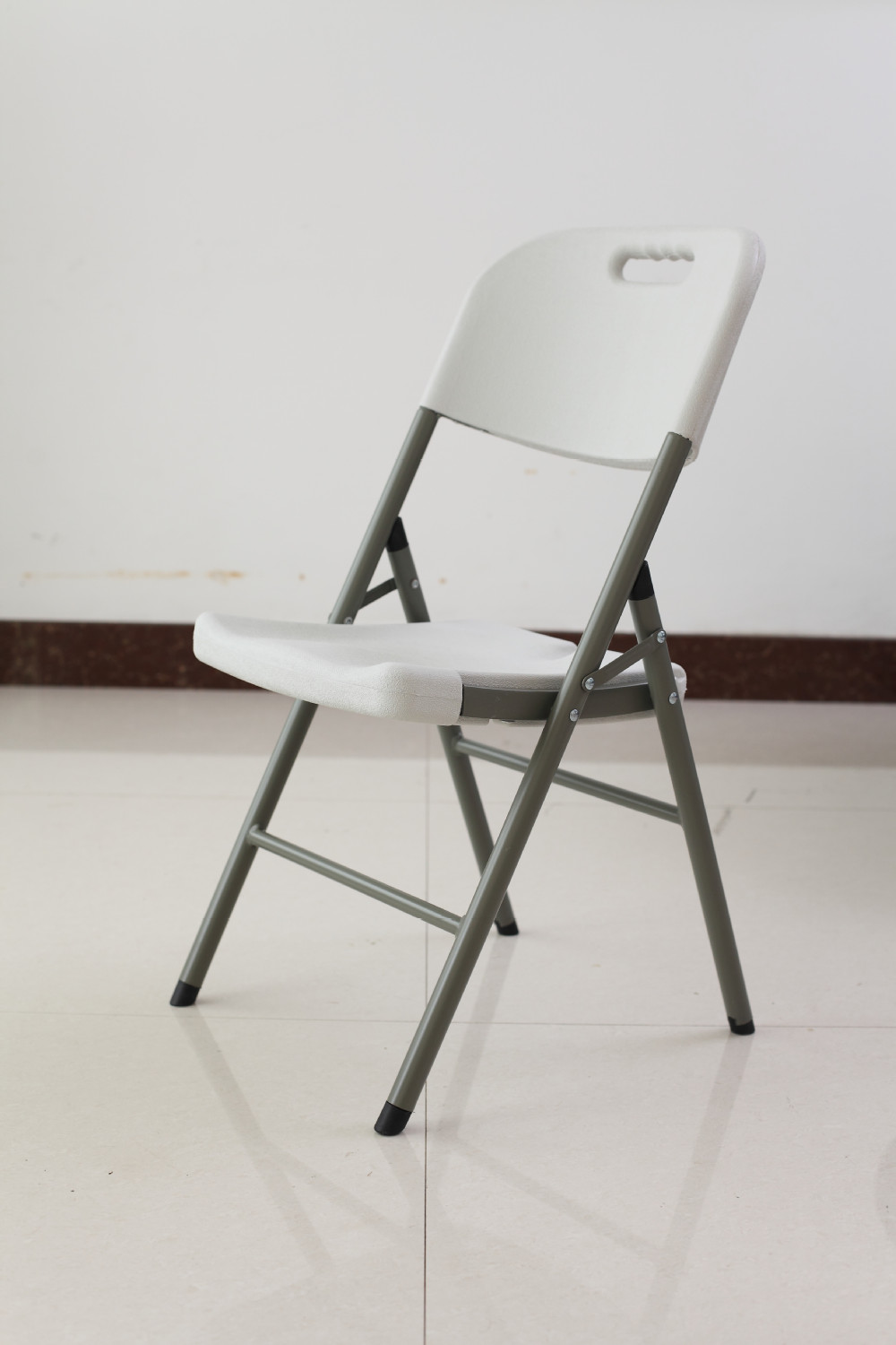 plastic folding chairs in Folding Chairs from Furniture on Aliexpress