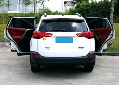 Electric Week's Control Hyundai 13