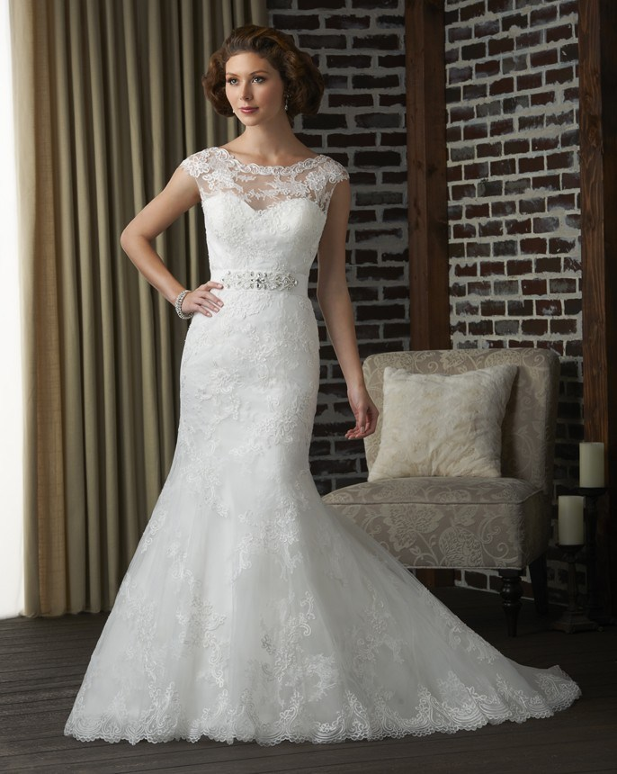 Princess Mermaid Simply Elegant sleeveless Open Diamond Back Lace Scoop Neck Wedding Dress Belt
