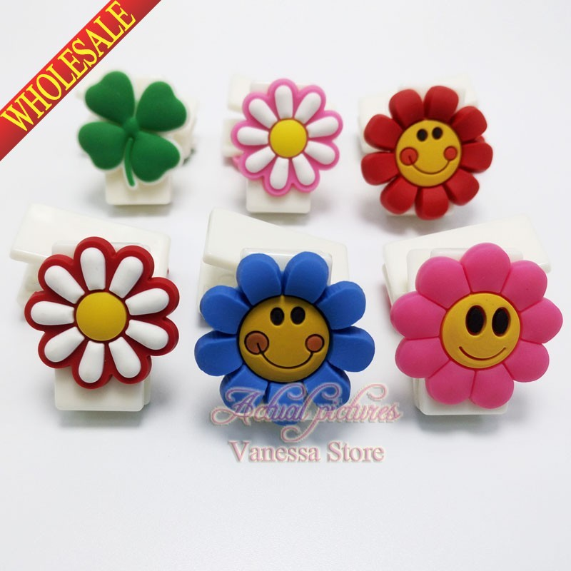 5Pcs/set Smile Small flower Book marks Paper Page Clips Book Holder School & Office stationary supplies Kids party gifts(China (Mainland))