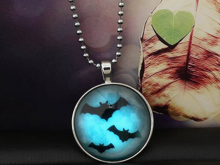 20pcs /lot Glowing necklace bat Glow in the Dark Pendant necklace for 2015 halloween jewelry(China (Mainland))