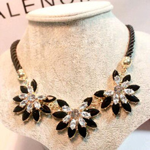 New Luxury Flower Decoration Choker Necklace For Women Charming Dress Accessory For Wedding Perfect Party Rope Necklace