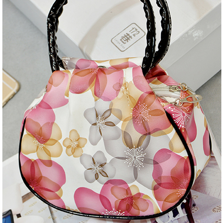 Factory direct wholesale special color night market stall lady hand bag genuine new high-end handbags good quality(China (Mainland))