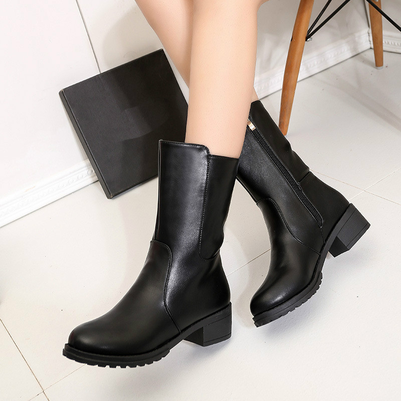 High Quality Fashion Shoes Woman Solid Color Black Round Shoes In Color Black
