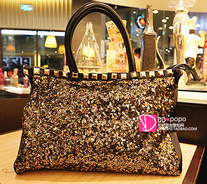 2015 Hot new free shipping Korean sequined black big bag Europe and America tide Ms. shoulder portable diagonal package