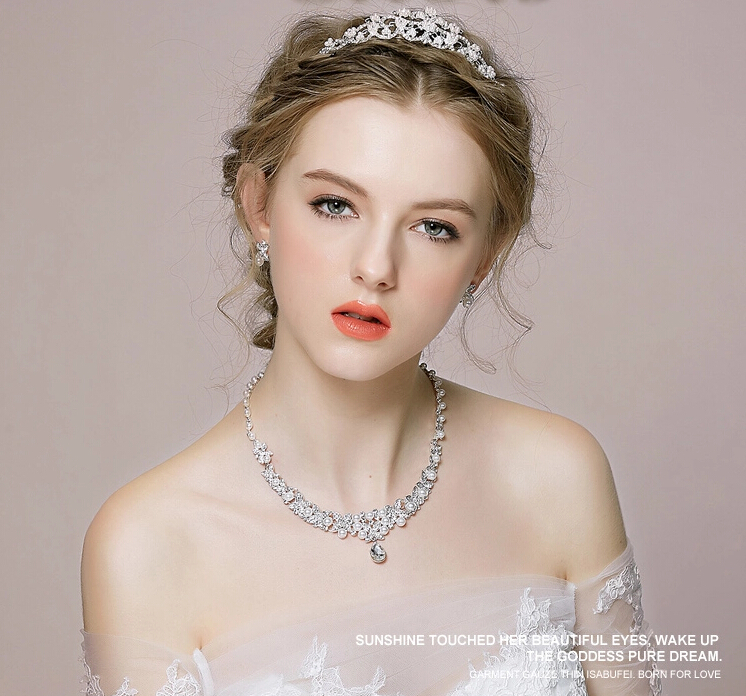 Jewelry sets flash crystal necklace earrings and crown wedding jewelry sets elegent wedding accessory bridal jewelry decorations<br><br>Aliexpress