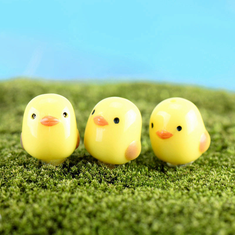 Wholesale 20Pcs/Lot Cute Mini Chick Micro Landscaping Decoration Small Plastic Craft Diy Sand Table Accessories K6717(China (Mainland))