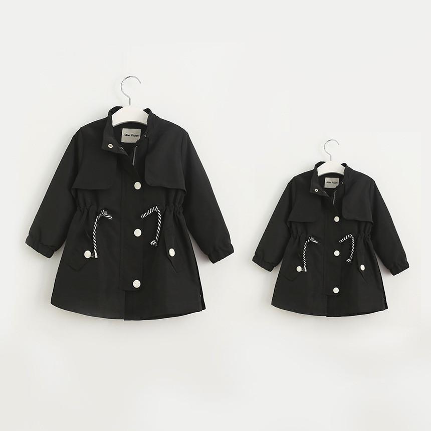 Скидки на Детские девушки Осень траншеи Родительской любви письма печатных девушки длинное пальто куртки