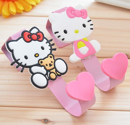 1 Pcs.Hello Kitty Kawaii Multifunction Over Door Hooks.Kitchen Cabinet Draw Towel Clothes Pothook Storage Door Hook.Home Decor(China (Mainland))