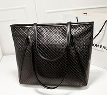2015 new handbag European style commuter belt buckle wild retro portable shoulder bag lady big bag