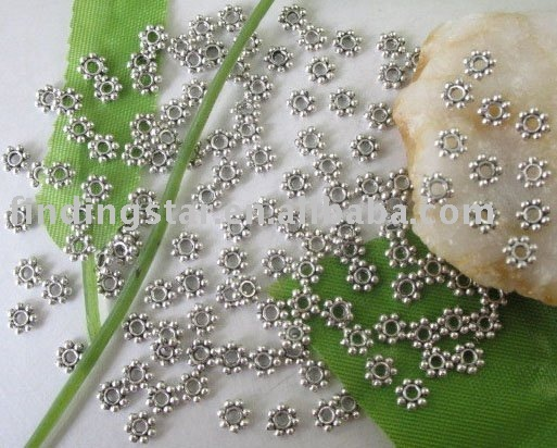 FREE SHIPPING 1000 pcs Tibetan silver Daisy spacer beads 4mm M228
