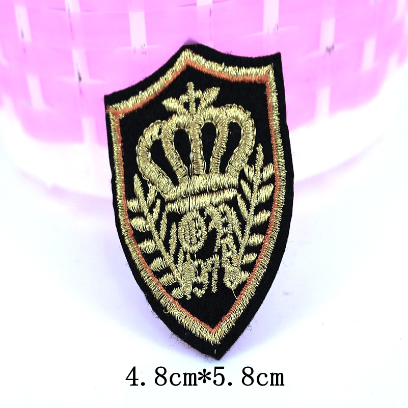 10 pcs clothes logo patch cute iron on patches for clothing fashion fabric DIY crown(China (Mainland))