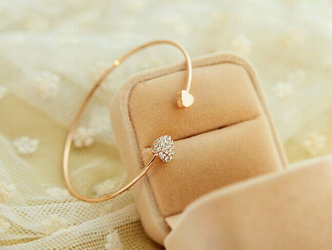 Promotion 2015 New Crystal Charm Heart Bangle 18K Gold Plated Bracelets Bangles for Women Fashion Cuff Bracelets Free Shipping(China (Mainland))