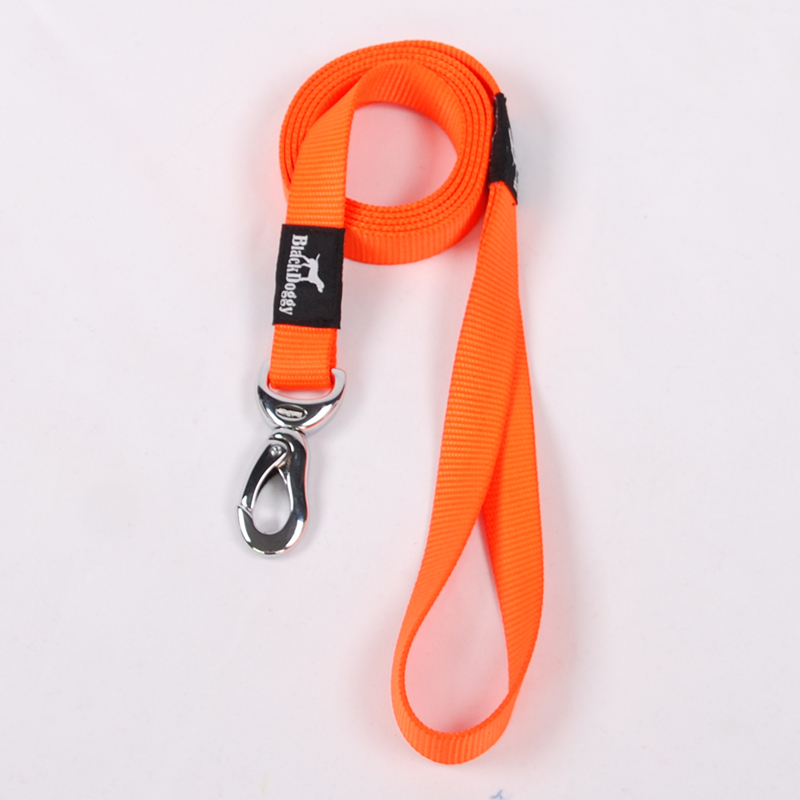 BlackDoggy 150*2CM Durable Light-up Dog Leads Outdoor Nylon Pet Dog Outdoor Dog Leash Leads Antirust Hook Solid VC15-LH002(China (Mainland))