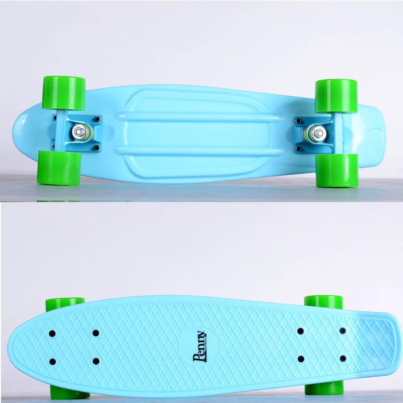 Penny board pastel blue