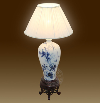 Hand painting ceramic living room decoration table lamp modern chinese style lamp antique wooden study lamp bedroom lamp