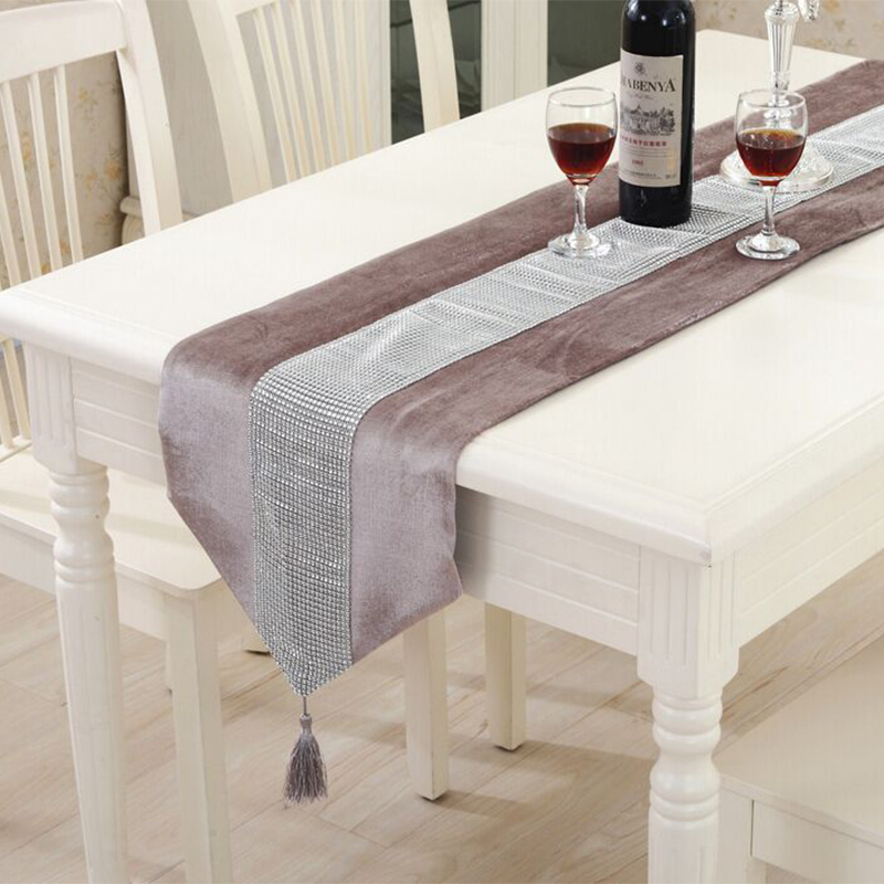 Modern table runner flannel diamond table marriage runners - Chemin de table gris perle ...