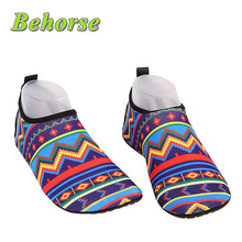 2016 Summer Men Flats Water Shoes Skin Shoes Soft On Swimming Surf Beach Shoe Breathable Stretch Fabric Couple Sandals Fashion(China (Mainland))