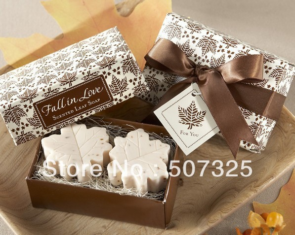 300 pcs/Lot, FREE Shipping By EMS! Wholesale - Fashion Romantic Wedding Giving Gift Irises Toilet Soap Fancy Soap