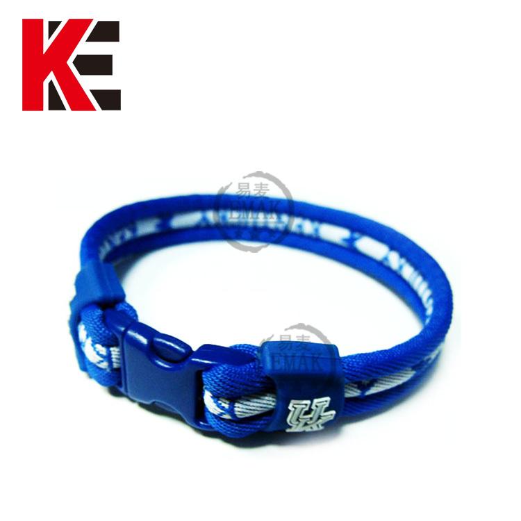 2013 titanium bracelet in rubber(China (Mainland))