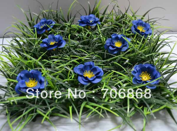 10''*10'' Artificial plastic grass mat boxwood mat with little blue flower wedding garden home party decoration table runner(China (Mainland))