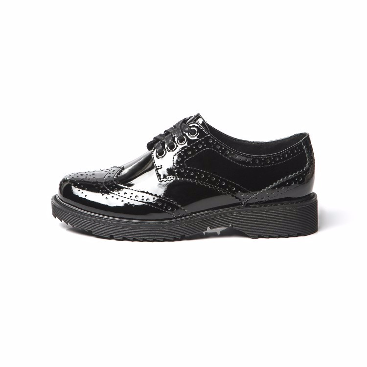 Patent leather Fretwork Vintage Flat Oxford Shoes Woman 2017 Fashion tassel British style Brogue Oxfords women shoes moccasins