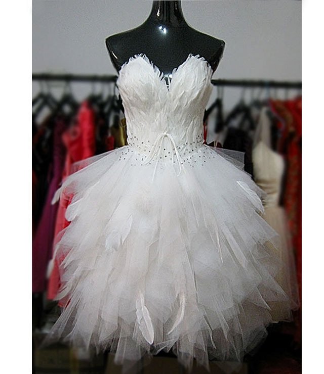 Short design feather wedding dress sparkling diamond for Short feather wedding dress
