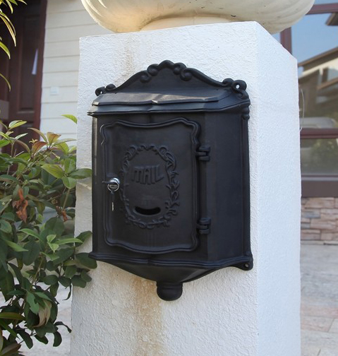 Top selling European cast iron mailbox Wall Mount Metal Post Letters Box Fashion Vintage Newspaper box outdoor Post Letter Box(China (Mainland))