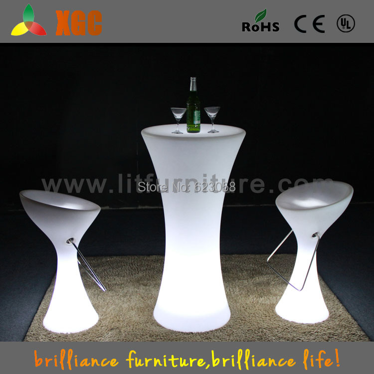 Party cocktail tables led illuminated cocktail table led for Cocktail tables led