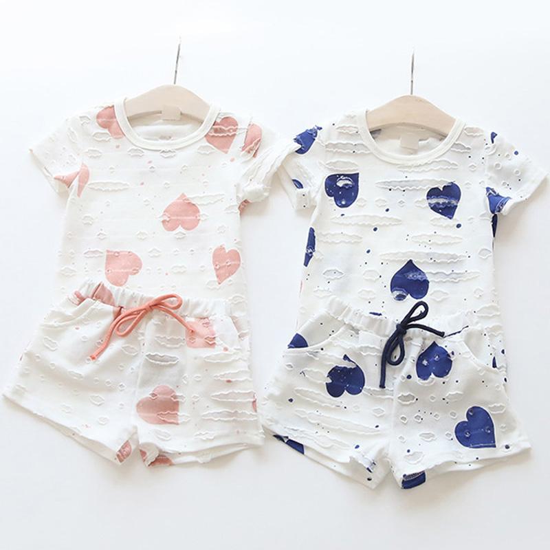 2pcs/sets,Casual Kids Clothing Baby Girls Clothes Sets Summer Heart Printed Girl Tops Shirts + Shorts Suits Children's Clothing(China (Mainland))