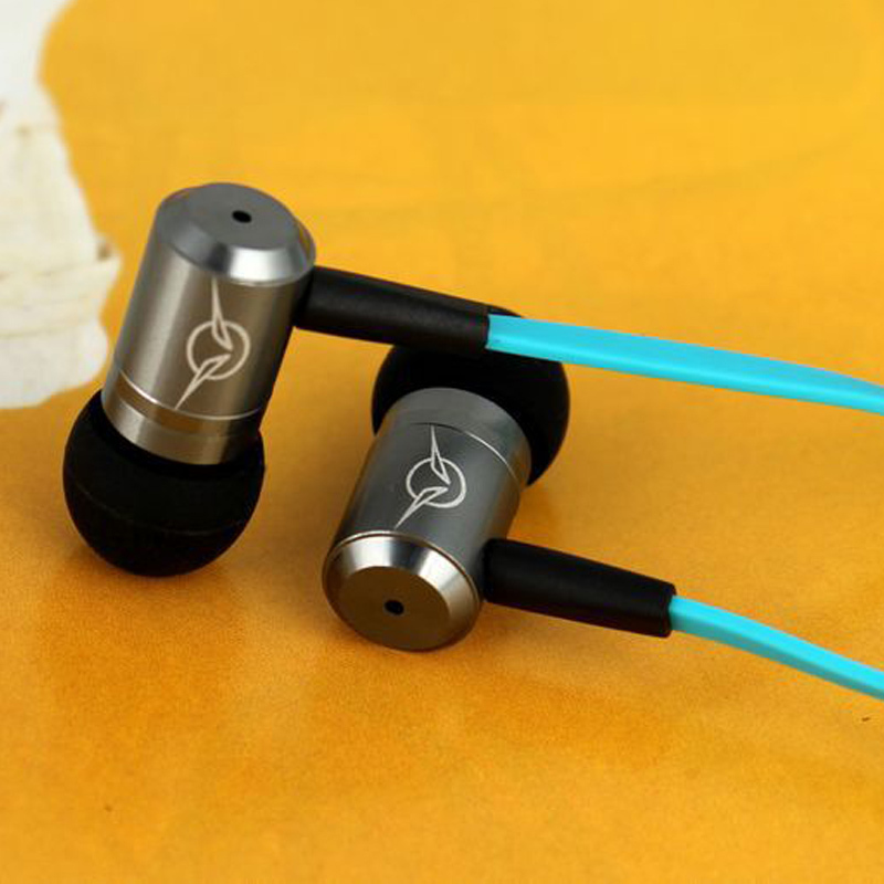Intelligent Stereo Bass Earphone Famous Brand IV-3 Super HIFI In Ear Earphones For Mobile Phone MP3 Muisc Headphone Noodle Cable(China (Mainland))
