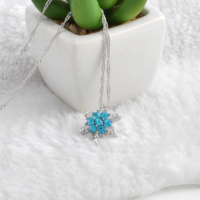 Charm Vintage lady Blue Crystal Snowflake Necklaces