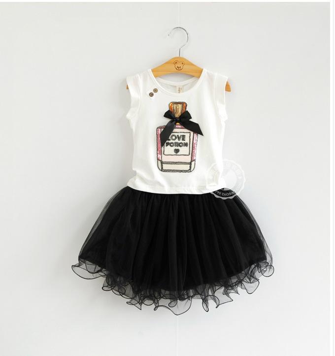 2015 fashion girls skirt summer sets,2 pcs white cartoon t-shirt+black pettiskirt lace suits,2 colors baby girls clothes 3-8 yrs(China (Mainland))