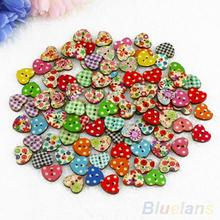 100 Multicolor Heart Shaped 2 Holes Wood Sewing Buttons Scrapbooking Knopf Bouton  1Q2A