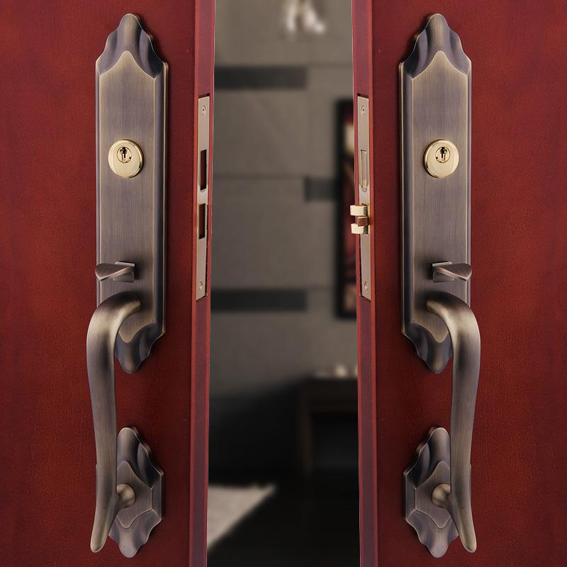 European bronze villa door lock into the hoeholds of